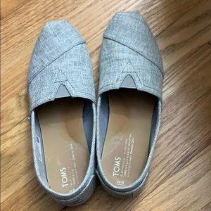Gray Tom's